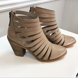 Hinge | 'Dresden' Caged Leather Bootie